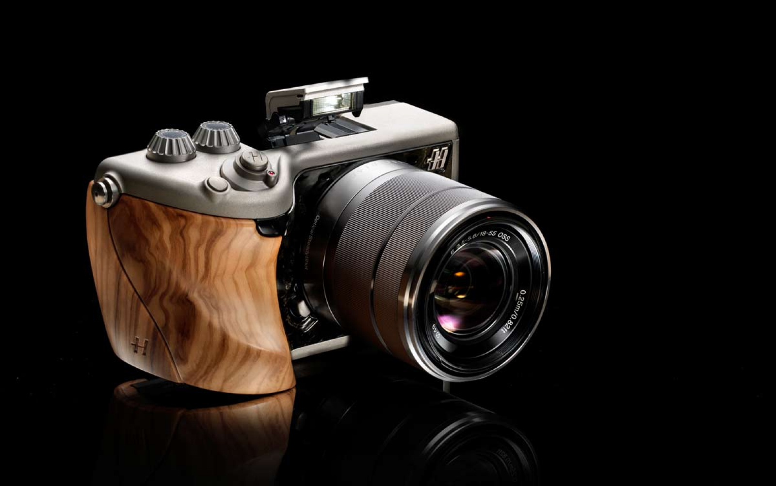 Hasselblad - 3D Wood three dimensional thinking